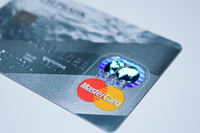 A picture of a mastercard to highlight BMO mastercard cashback changes.